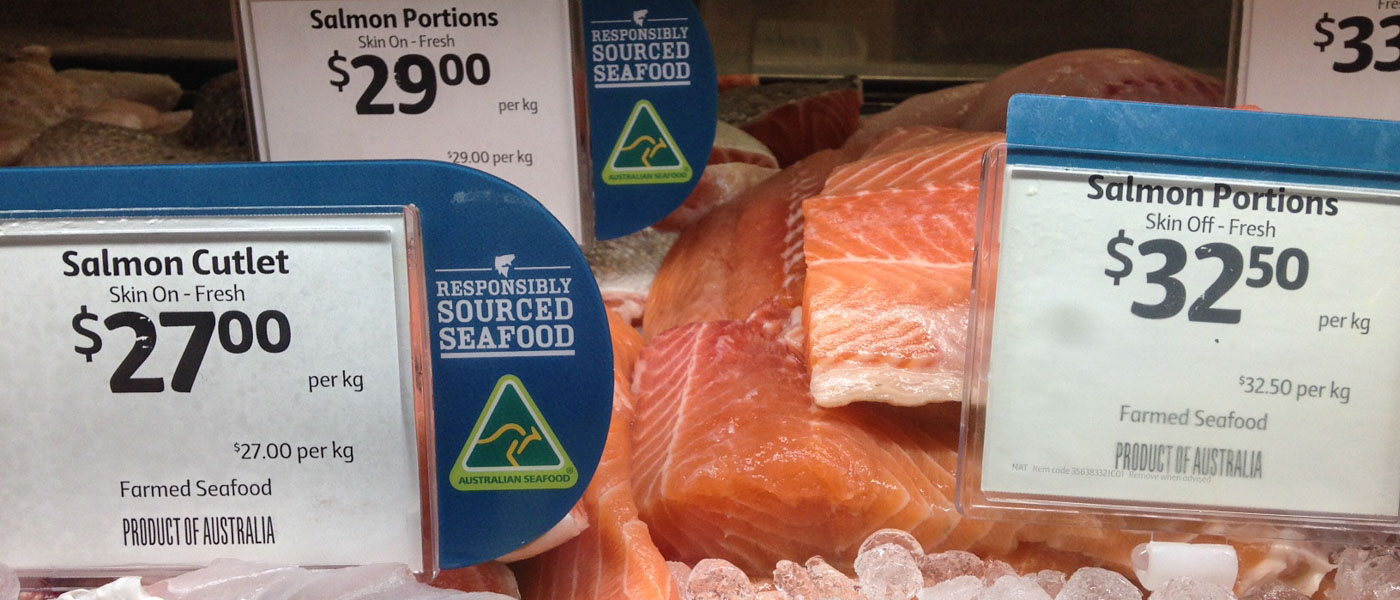 Labelled and certified salmon displayed in Coles, Cairns, April 2014 © Nicky Robinson / WWF-Aus