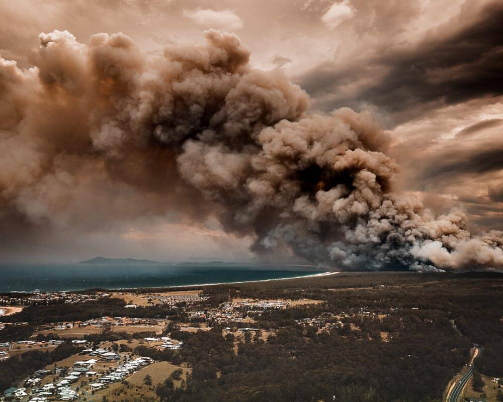 Bushfire at Hallidays Point in NSW © Martin Von Stoll