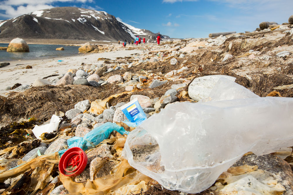 Plastic rubbish on a remote beach in Northern Svalbard © Global Warming Images / WWF