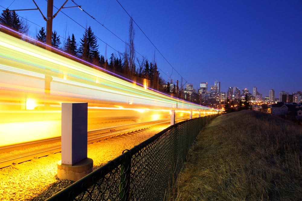 A light rail transit train Calgary, Alberta, Canada © Michael Buckley / WWF-Canada
