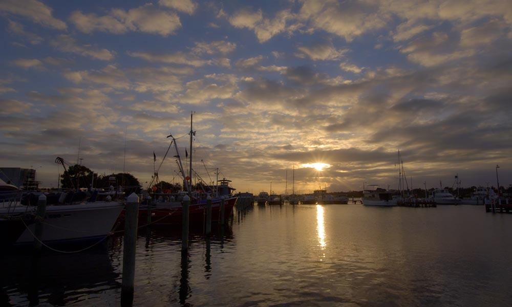 Sunrise at the marina of Lakes Entrance © WWF-Aus / Stepping Stone Films