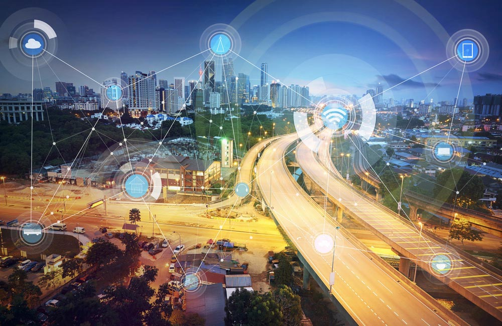 Smart city and wireless communication network © Shutterstock / jamesteohart / WWF